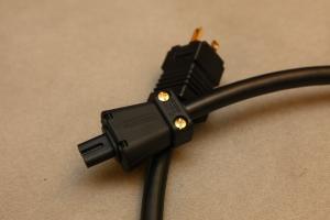 TFS VP-8G, Viablue 八字電源線 鍍金公母頭版本 1.5米